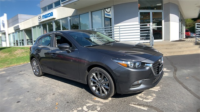 New 2018 Mazda3 Touring BOSE/MOONROOF/SAT PACKAGE