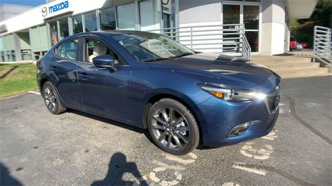 New 2018 Mazda3 Grand Touring moonroof package