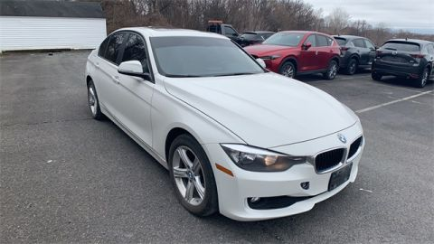 Pre-Owned 2014 BMW 3 Series 320i xDrive